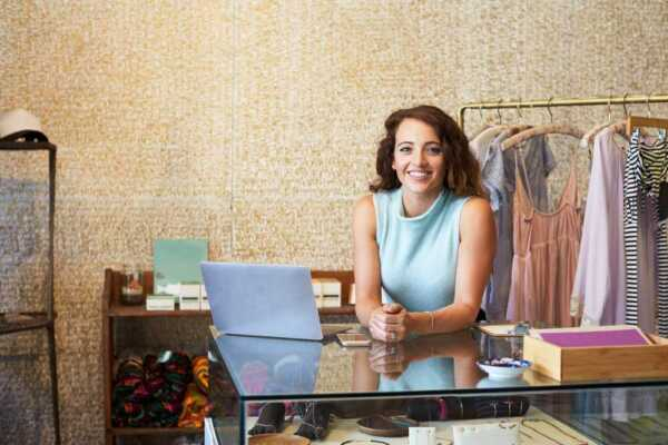 10 Options to Start a Clothing Sales Business
