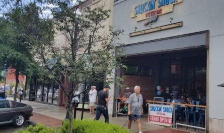 Start a Shuckin 'Shack Oyster Bar Franchise