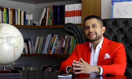 World Record: 1,000 Books in 1,000 Days - Gabriel Blanco